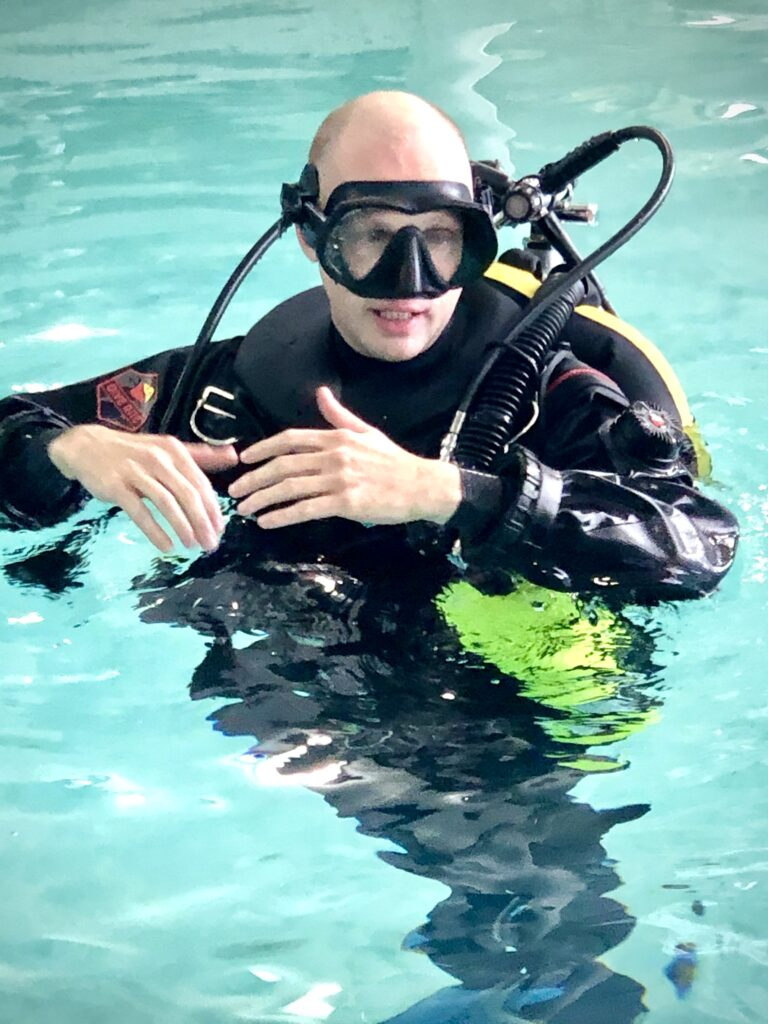 drysuit scuba diving